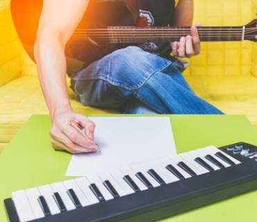come comporre una canzone, scrivere canzoni